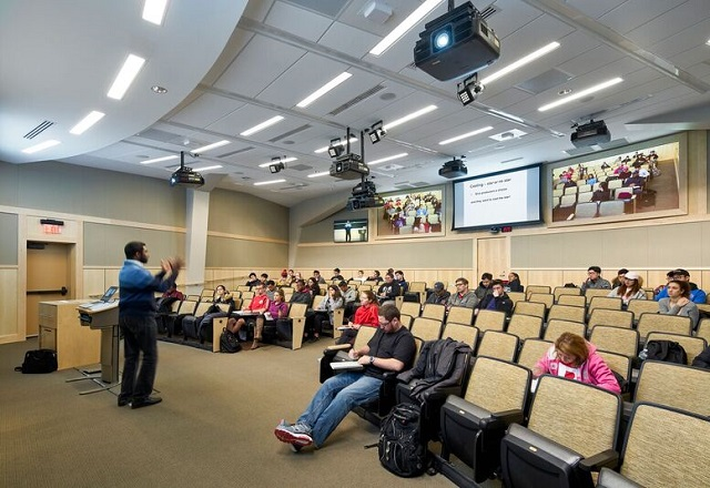 Teaching In An Immersive Synchronous Lecture Hall